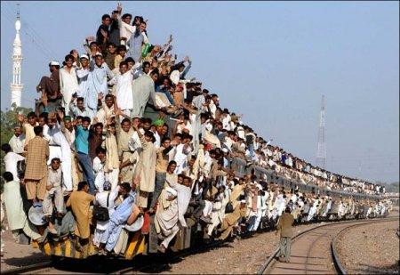 nasib baik keretapi dari kuala tak penuh macam ni